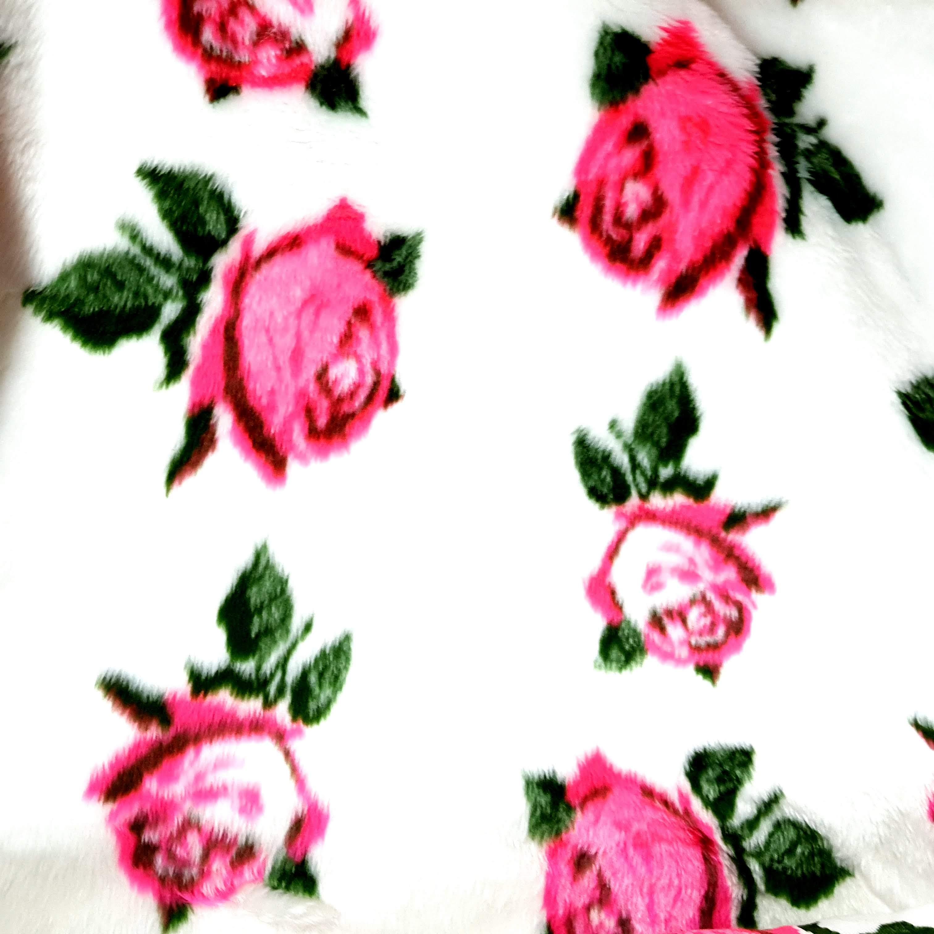 Pelúcia Estampada - Rosas